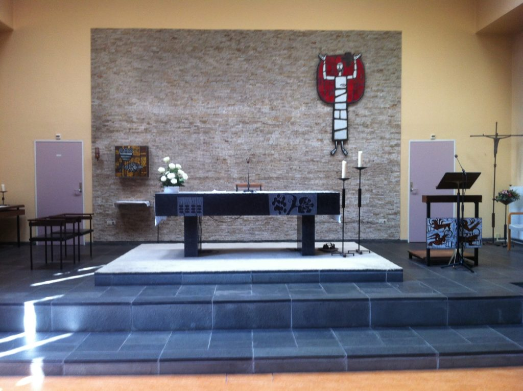altaar-preekstoel