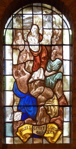 Witte kerkje - raam-11